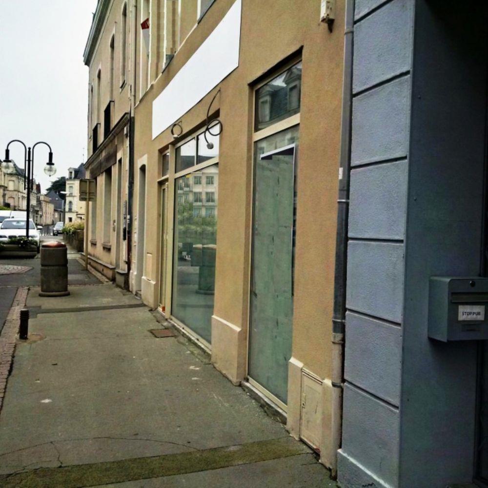 location local commercial segr 49 49 segre centre local restaurant creperie 72 m a louer. Black Bedroom Furniture Sets. Home Design Ideas